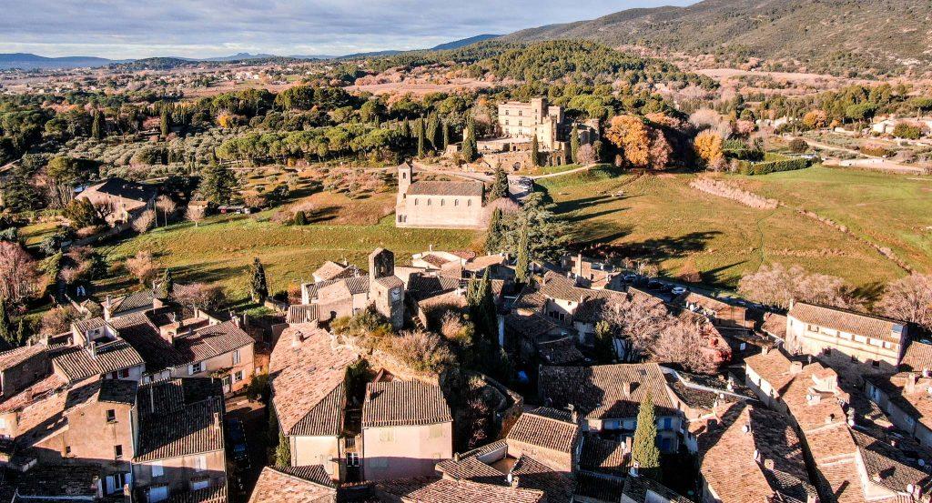 village Lourmarin drone